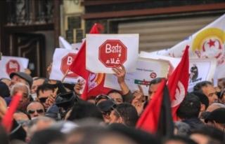 Tunus'ta genel grev hayatı felç etti