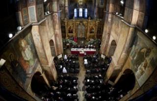 Yeni bağımsız Ukrayna Ortodoks Kilisesi 'otosefal'...