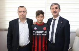 13 yaşında Turgutluspor'dan Fenerbahçe'ye...
