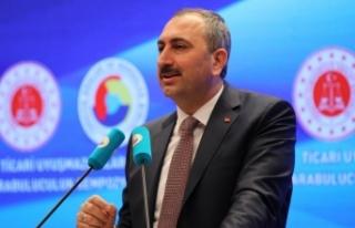 Adalet Bakanı Gül: Bu ülkede millet darbeyle mücadele...