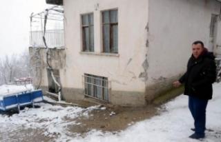 AFAD, Günlüce köyünde hasar gören evlerde inceleme...