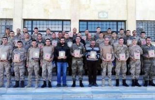 Afrin'deki Mehmetçik'ten 'Özel öğrenciler'e...