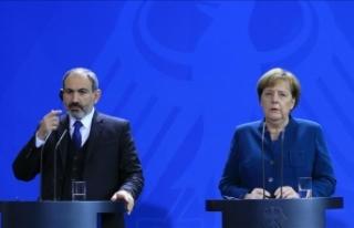 Almanya Başbakanı Angela Merkel: Rusya ile konuşmak...