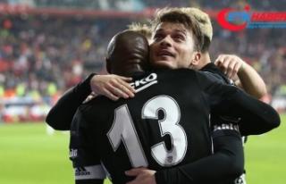 Beşiktaş'ın orta sahasından gole büyük...
