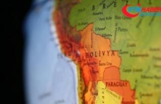 Bolivya'da otobüsle kamyon çarpıştı: 22...