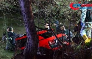 Çanakkale'de derede kaybolan otomobilde 4 gençten...