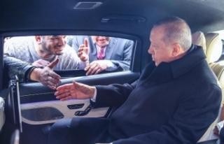 Cumhurbaşkanı Erdoğan minibüsçülerle sohbet...