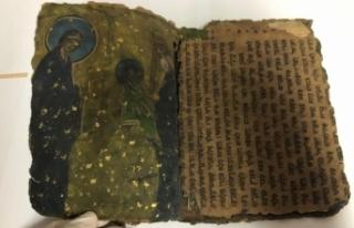 Diyarbakır'da 800 yıllık İbranice kitap ele...