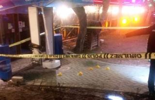 Eskişehir'de bar önünde silahlı kavga: 2...
