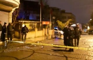 Fatih'te silahlı saldırıya uğrayan 2 kişi...