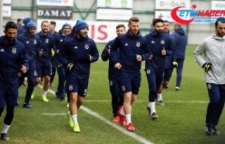 Fenerbahçe Rusya'ya rötarlı gitti