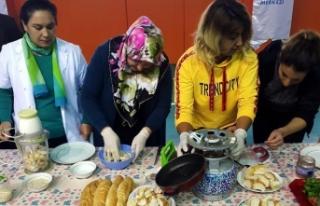Gençler bayat ekmekleri çöpe gitmekten kurtarıyor