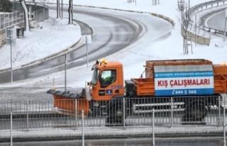 İstanbul'da karla mücadelede 7 bin kişi görev...