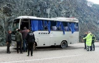 Kemer'de midibüsle minibüs çarpıştı: 8...