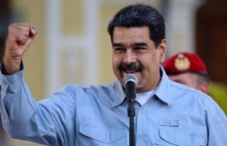Maduro kullandığı araçla Caracas'ı gezip...