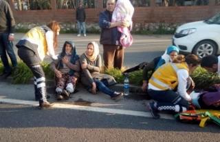 Minibüs refüje çıkıp devrildi: 1'i bebek...