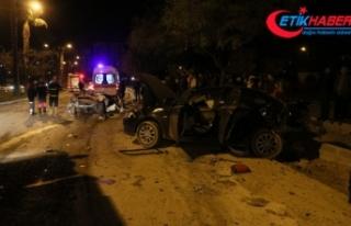 Önce yayaya ardından araçlara çarptı: 2 ölü,...