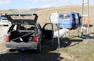 Otomobil ile askeri araç çarpıştı: 2 yaralı