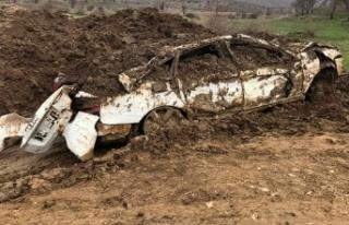 PKK'lı teröristlerin çaldığı lüks otomobil,...