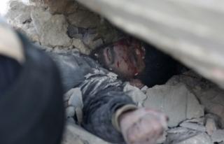 'Rejim İdlib'de silahsızlanma bölgesinde...