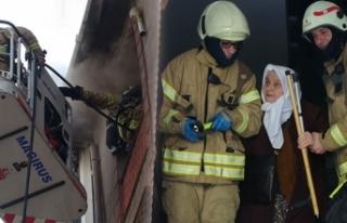 Sultangazi'de çocuklar oyun oynarken yangın...