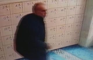 Tarihi camiye hırsızlar dadandı