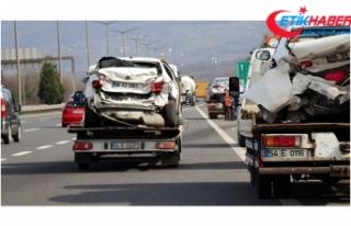 TEM'de 9 aracın karıştığı zincirleme kazada...
