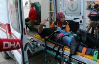 Tokat'ta öğrenci servisi otomobille çarpıştı:...