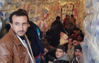 Tuvalet kağıtları arasında '33 kaçak göçmen'...