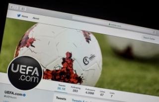 UEFA'dan AEK'ya ertelemeli men cezası