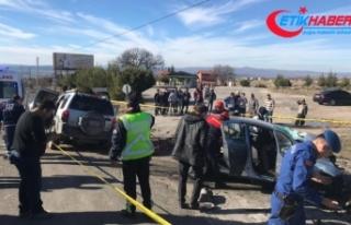 Uşak'ta feci kaza: 3 ölü,1 ağır yaralı