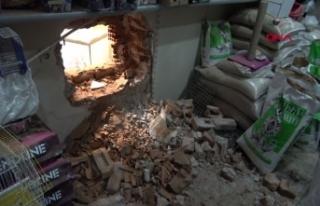Yan dükkandan duvarı delip kuyumcuya giren hırsızlar,...