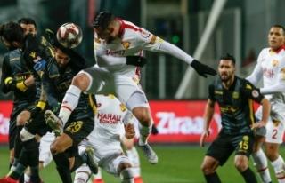 Yeni Malatyaspor penaltılarla yarı finalde