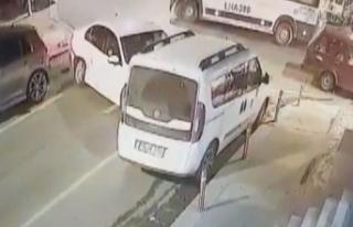 Yolun karşısına geçmeye çalışan kadına kaza...