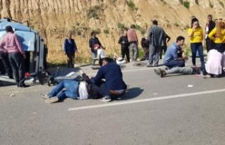 Adana'da 15 kişinin yaralandığı kazada can...
