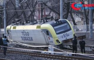 Ankara'da raydan çıkan yük treninin 2 makinisti...