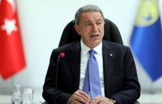 Bakan Akar: Terörle mücadele kararlılıkla devam...