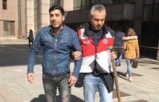 Bakırköy Adliyesi'ne baltayla gelen kişi tutuklandı