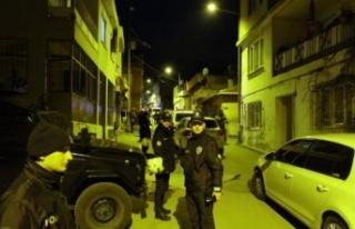 Bursa'da uyuşturucu satıcılarına şafak operasyonu:...