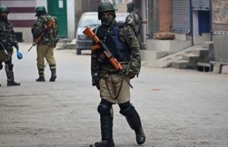 Cammu Keşmir'de bombalı saldırı: 18 yaralı
