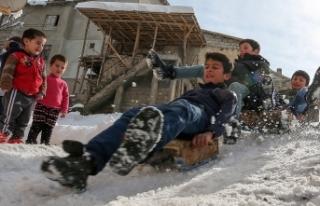 İki şehirde eğitime kar tatili
