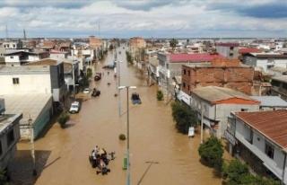 İran'daki sel felaketinde can kaybı 27'ye...