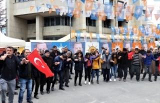 İYİ Parti'den istifa eden gençler AK Parti'ye...