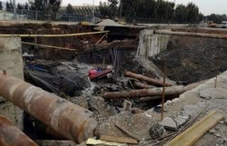 İzmir'de metro yeraltı park istasyonu inşaatında...