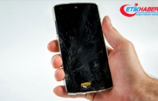 Kırık cep telefonu ekranları ekonomiye kazandırılıyor