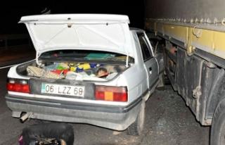 Kırıkkale'de otomobille TIR çarpıştı: 2...