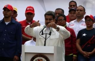 Maduro ülkedeki elektrik kesintisinden ABD'yi...