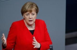 Merkel'den 'yardım kurallarını gevşetin'...