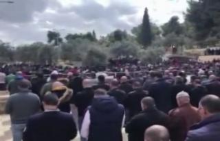 Mescid-i Aksa'da 40 bin kişilik gıyabi cenaze...