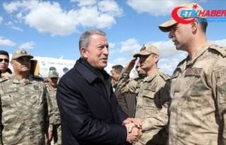 Milli Savunma Bakanı Akar, Şırnak'ta incelemelerde...